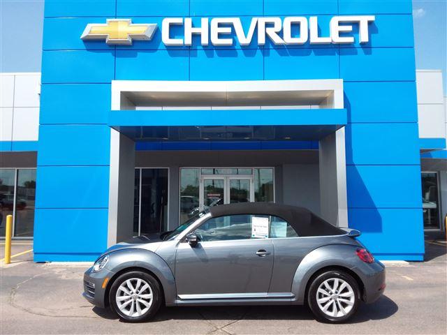 2017 Vw Beetle Convertible >> Used 2017 Volkswagen Beetle Convertible 1 8t Sel