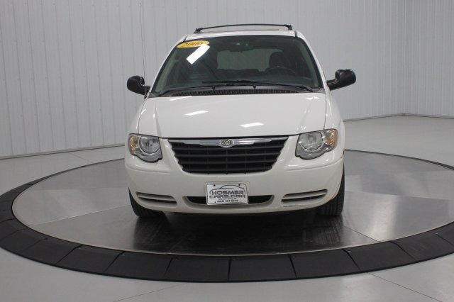 2006 Chrysler Town and Country LWB